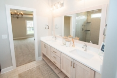 033_master-bathroom